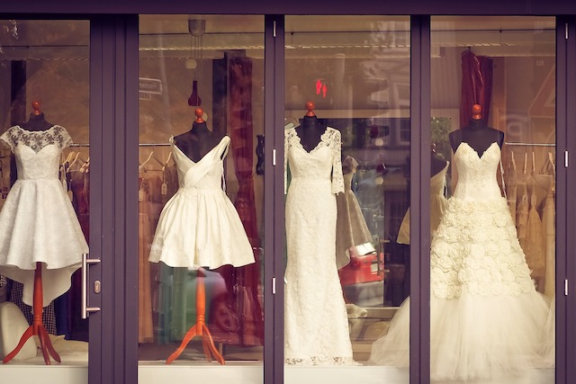 4dc2525e547 Say  I do  to a Wedding Shop Franchise Business