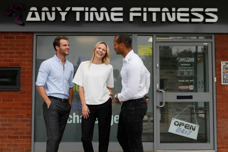 Anytime Fitness franchise franchisors outside an outllet