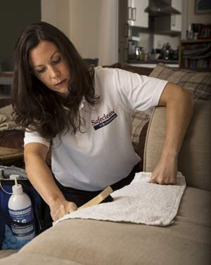 Safeclean franchise woman cleaning