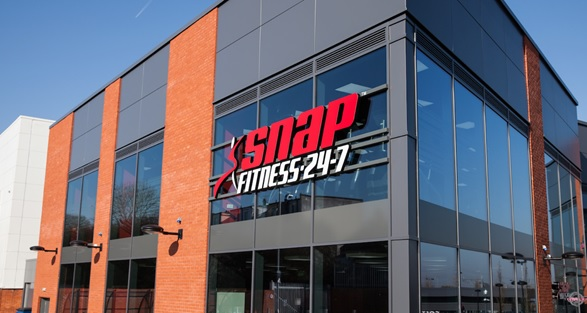 Snapfitness franchise gym store front