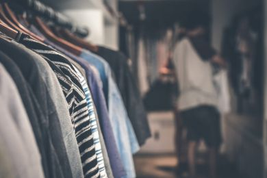 Own a Retail Franchise That Helps Your Customers to Make Money