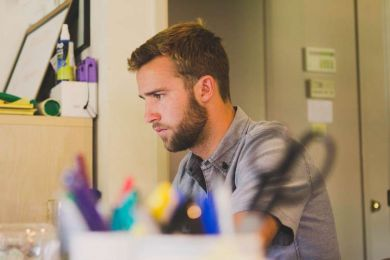 Employee to business owner: A complete guide