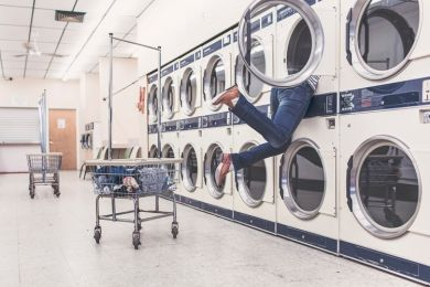 Top 3 Laundromat Franchise Opportunities in the UK