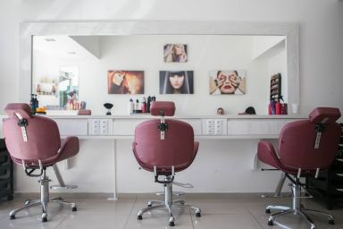 Sector Spotlight: The Hair and Beauty Sector Gets Ready for a Post-Covid Comeback